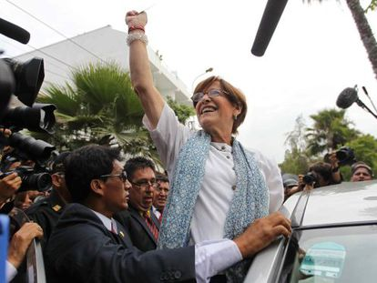Lima Mayor Susana Villarán salutes her supporters after voting in Sunday's recall ballot called against her.