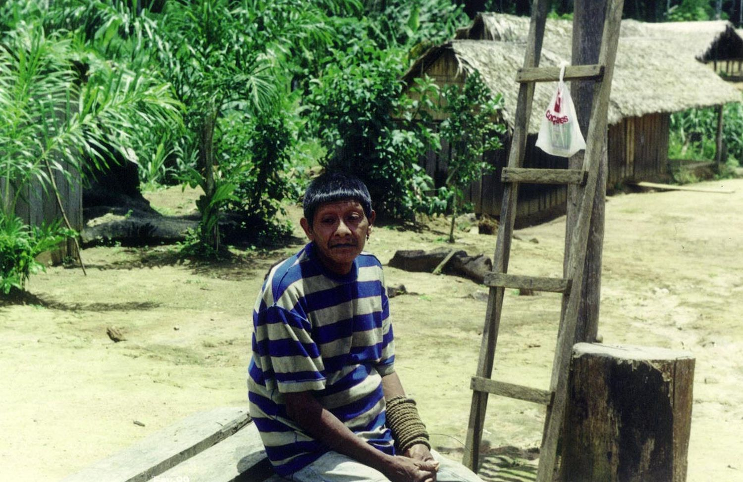 Aruká Juma in a photo taken in 1998 by Edmundo Peggion, when the authorities transferred him and his family to the Uru-eu-wau-wau indigenous land.