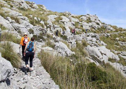 Hikers in the Tramuntana mountain range, Mallorca.