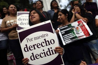 Mexican women marching for their right to decide.