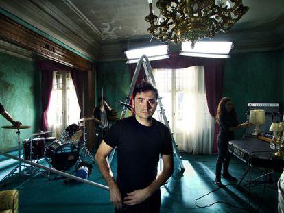 Juan Antonio Bayona on the set of the Keane video.