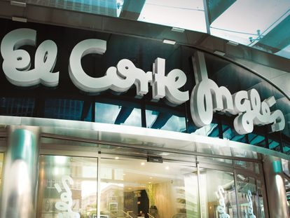The department store giant El Corte Inglés has filed an ERTE for 25,900 of its employees.