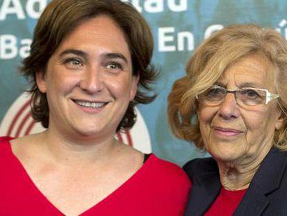 Barcelona Mayor Ada Colau (left) with her Madrid counterpart, Manuela Carmena.