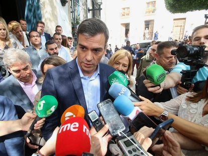 The acting prime minister of Spain, Pedro Sánchez, in Níjar (Almería).