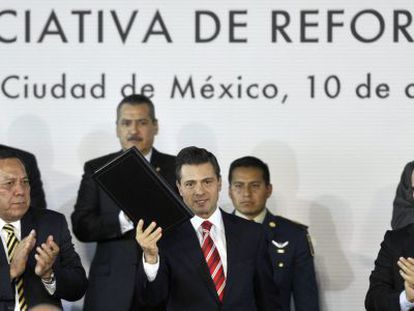 Peña Nieto presents his education reform on December 11, 2012.