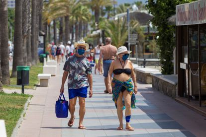 The seaside promenade in Torremolinos, Málaga, after the end of the state of alarm.