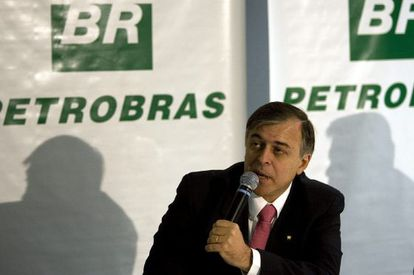 Former Petrobras official Paulo Roberto Costa has released damaging information about alleged bribes for contracts.