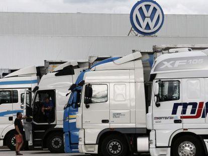 Trucks outside the Volkswagen plant in Navarre.