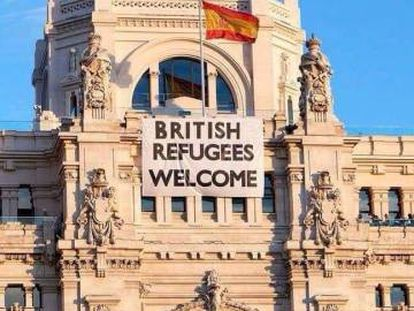The phony banner on Madrid City Hall.