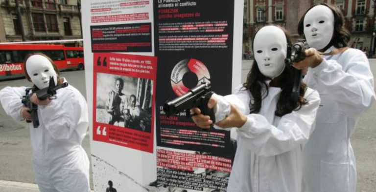 Protest against arms sales in Bilbao.