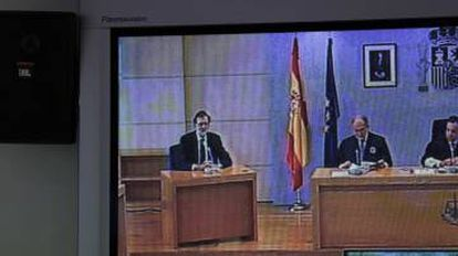 An image of Rajoy in court.