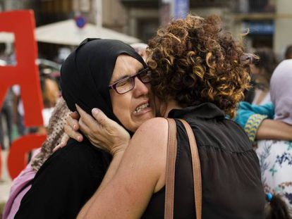 Ripoll residents and family members of the terrorists concentrate on rejecting the attacks.