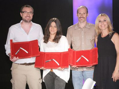 Directors Esteban Crespo, Jessica Rodríguez and Iván Caso with Versión Esoañola's Cayetana Guillén Cuervo.
