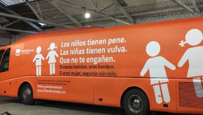 The bus from the Hazte Oír campaign against the transgender community in 2017.