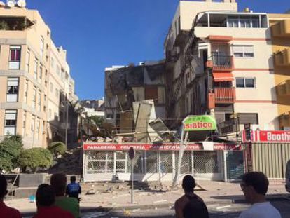 Neighboring buildings evacuated after incident in tourist area of Canary Island. Both victims found among the rubble were women