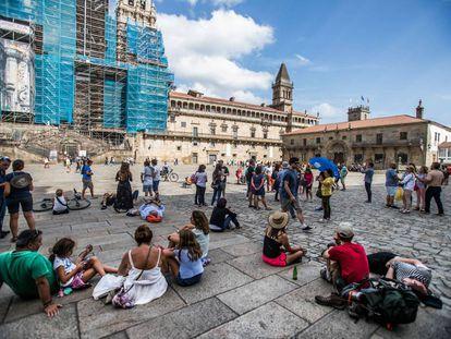 Tourists in Santiago's Plaza del Obradoiro square on Monday.