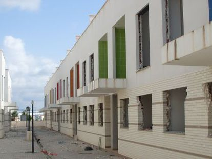 These houses in Callosa de Segura were being sold for over €100,000 several months ago.