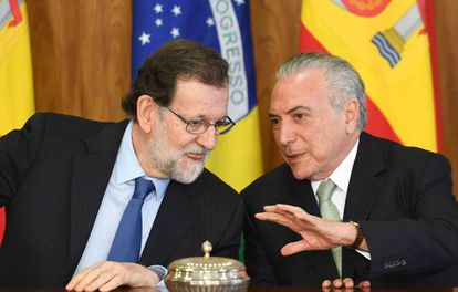 Spanish Prime Minister Mariano Rajoy (left) with Brazilian President Michel Temer.