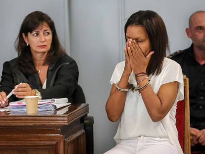 Ana Julia Quezada (r), during the trial.