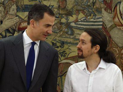 El Rey Felipe VI recibe al líder de Podemos, Pablo Iglesias, este viernes.