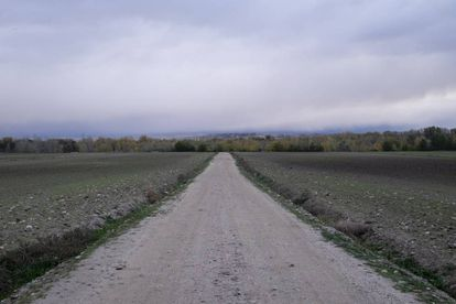 The stretch of land leading to the Inner Mastery International villa in Fuente el Saz del Jarama.