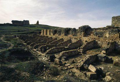 Nymphaeum ruins in the Roman City of Valeria, Cuenca.