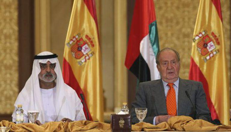 King Juan Carlos sits next to Crown Prince Mohammed bin Zayed bin Sultan Al Nahyan of United Arab Emirates.