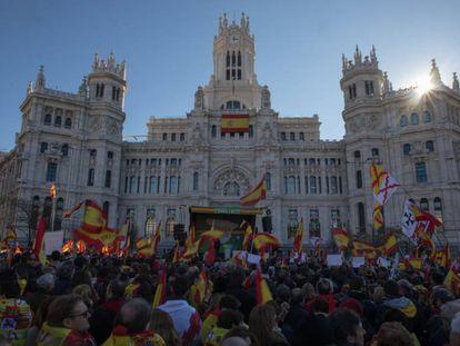 Vox protests against Spanish PM Pedro Sánchez (Spanish audio).