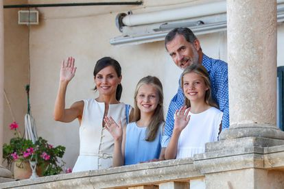 Queen Letizia, King Felipe and their two daughters, Leonor and Sofía.