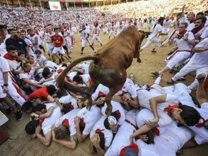 Relive the latest run at Sanfermines, which left two serious injuries thanks to the crowded streets and fast pace