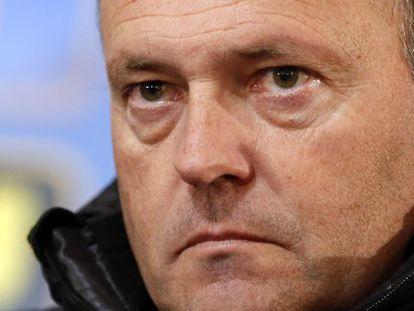 Real Betis coach Pepe Mel faces a difficult task in La Liga, despite European success.