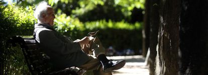 One out of every 10 Spaniards feel frequently lonely, a study finds.