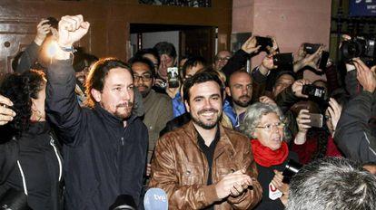 Pablo Iglesias (left) and Alberto Garzón.