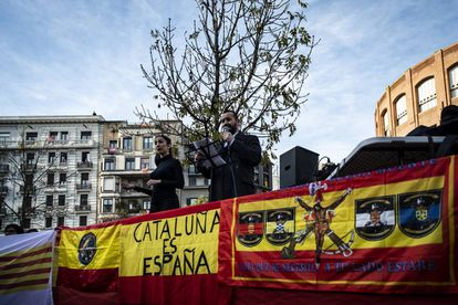 Pro-Spanish unity demonstrators in Girona.