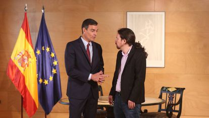 Pedro Sánchez with Unidas Podemos leader Pablo Iglesias.