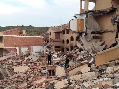 The three-floor building that collapsed on Wednesday in Peñíscola.