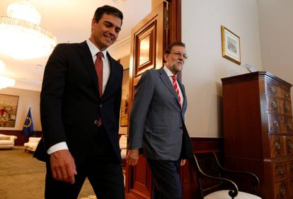 Pedro Sánchez and Mariano Rajoy in Congress in July.
