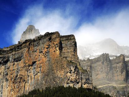 Sobrarbe, in the Aragonese province of Huesca, is home to some of the most striking landscapes in the entire Pyrenees, from the calcareous summits of Treserols to the canyons of Ordesa and Añisclo (pictured), the valleys of Pineta and Escuaín, the Posets massif, the valley of Chistau and the Sierra de Guara mountains. / www.geoparquepirineos.com