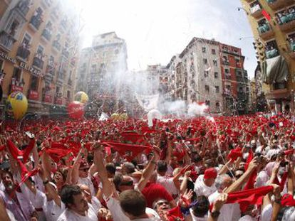 Watch the firing of the rocket this morning in Pamplona, a ceremony that always opens the world-famous Running of the Bulls