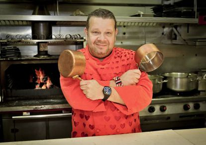 The chef Alberto Chicote, in promotional photo from Kitchen Nightmares.