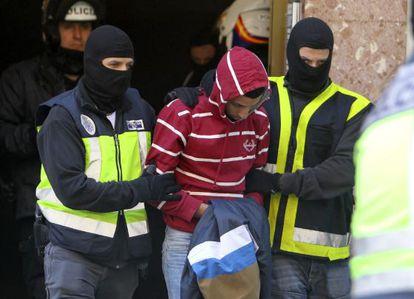 Police arrest Nou Mediouni in Zaragoza on Tuesday.