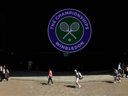 Wimbledon uses a seeding system based on performance on grass courts.