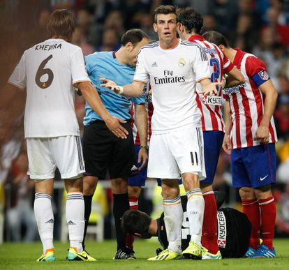Real record signing Gareth Bale claims his innocence after a clash with Thibaut Courtois