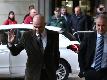 Manuel Chaves arrives in court in Seville on Tuesday.
