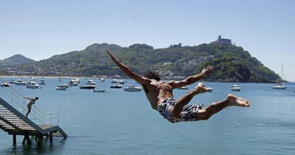 Finding relief from the heat in San Sebastián.