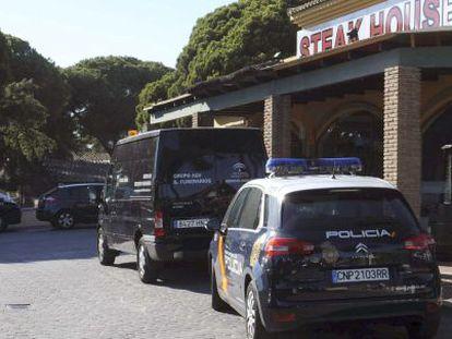 Bar in the Elviria district of Marbella where a man was shot down Saturday.