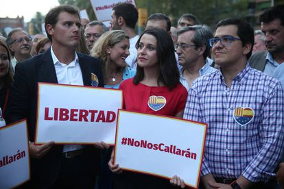 Politicans Albert Rivera and Ines Arrimadas during the demonstration in Barcelona.