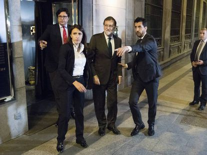 Mariano Rajoy leaves a restaurant in Madrid where he had spent the entire afternoon.