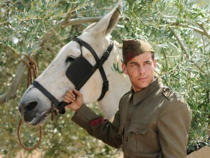 One man and his mule: Mario Casas and his trusty co-star in La mula.