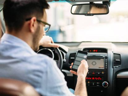 Using the cellphone behind the wheel is a leading cause of accidents.